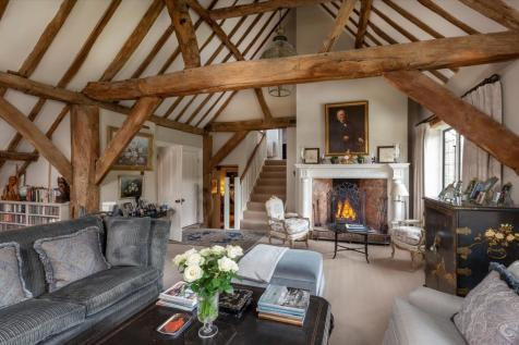 The Street, Puttenham, Guildford, Surrey, GU3. 3 bedroom barn conversion for sale