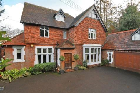 Frant Road, Tunbridge Wells, Kent, TN2. 8 bedroom detached house