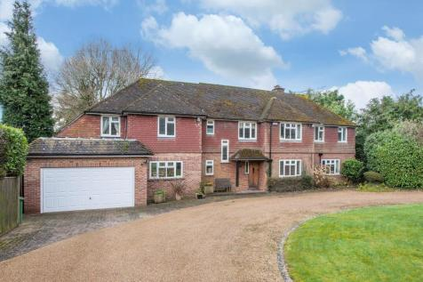 Holmewood Ridge, Langton Green, Tunbridge Wells, Kent, TN3. 6 bedroom detached house