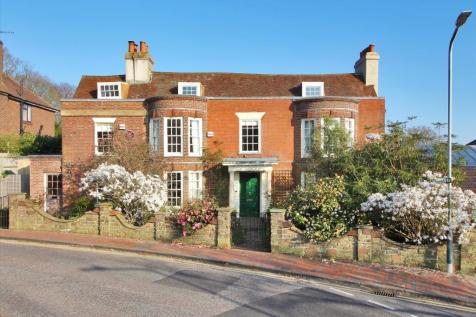 Claremont Lodge, 49 Claremont Road, Tunbridge Wells, Kent, TN1. 6 bedroom semi-detached house