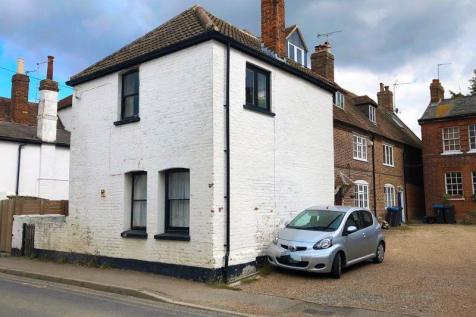 High Street, Wingham. 2 bedroom cottage