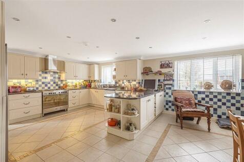 Pidney, Hazelbury Bryan, Sturminster Newton, Dorset. 4 bedroom detached house