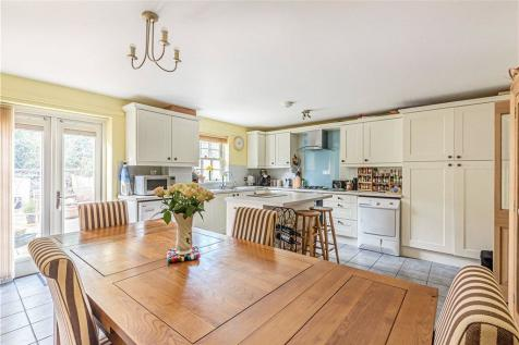 Gibbs Court, Crewkerne, Somerset. 4 bedroom terraced house