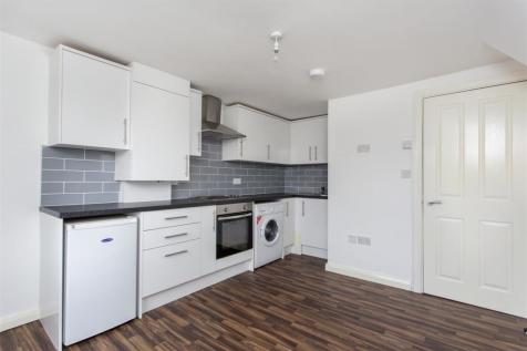 Brooke Road, N16. 1 bedroom flat