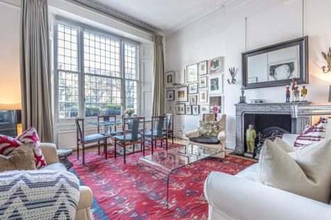 Linden Gardens, Notting Hill, W2. 2 bedroom apartment