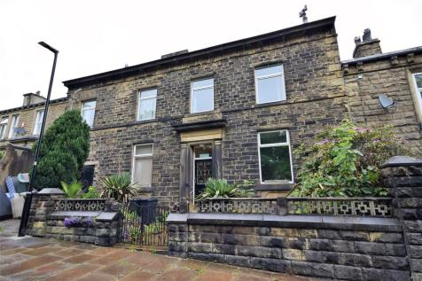 Moorfield House, 48 Savile Park, Halifax, HX1 3EX. 9 bedroom house