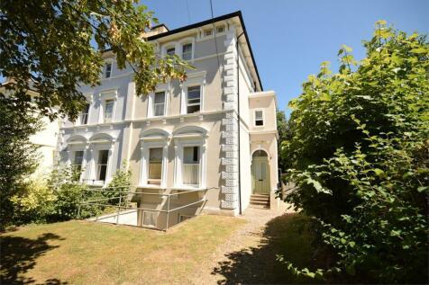 St Johns Road, Sevenoaks, Kent. Semi-detached house for sale