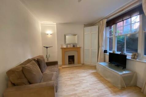 Kenyon Mansions, Queens Club Gardens, W14. 1 bedroom apartment