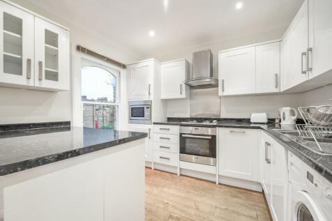 Edith Road, West Kensington. W14. 3 bedroom apartment