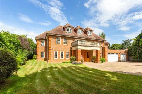 Leigh Hill Road, Cobham, Surrey, KT11. 5 bedroom detached house
