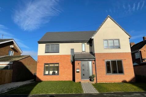High Carr Close, Durham. 5 bedroom detached house for sale