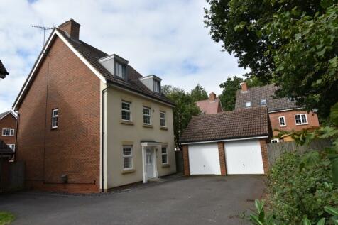 Benbroke Place Great Ashby, Stevenage, Hertfordshire, SG1. 5 bedroom detached house