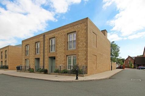 Charlotte Avenue, Chichester. 3 bedroom semi-detached house