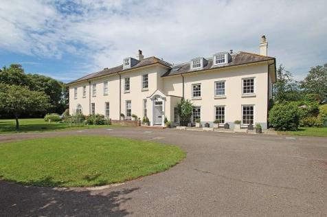 Salthill Road, Chichester, West Sussex, PO19. 3 bedroom apartment for sale