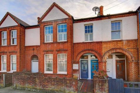 Quinton Street Earlsfield London. 2 bedroom maisonette