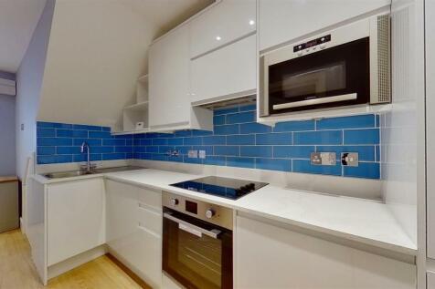 Garratt Lane, London. 1 bedroom flat