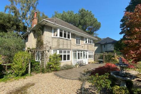 Westbourne. 4 bedroom detached house