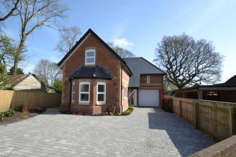 Lytchett Minster. 4 bedroom detached house