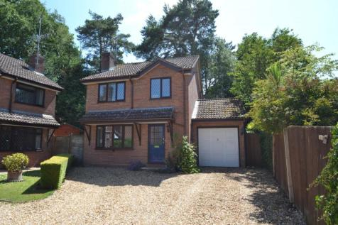 Corfe Mullen. 5 bedroom detached house