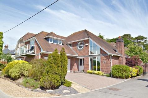 Corfe Mullen. 4 bedroom detached house