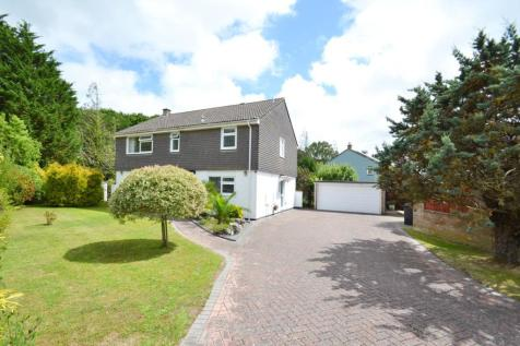 Broadstone. 4 bedroom detached house