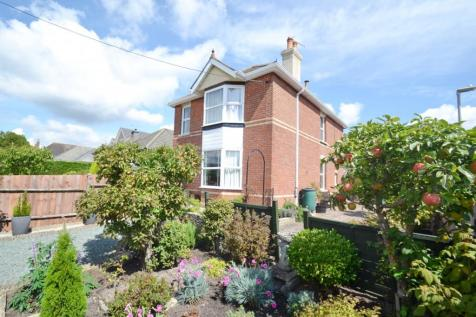 Broadstone. 3 bedroom detached house