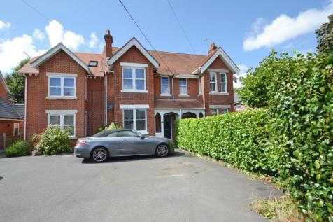 Broadstone. 4 bedroom terraced house