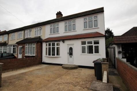 Mayswood Gardens, Dagenham, London, RM10. 6 bedroom end of terrace house