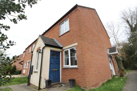 Glastonbury Close, Belmont, Hereford. 1 bedroom end of terrace house