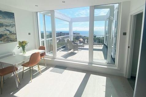 East Cliff. 3 bedroom penthouse for sale