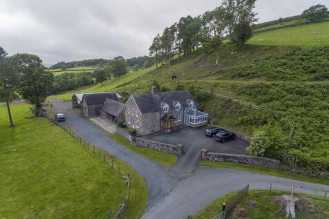 Llangadfan, Welshpool, SY21. 3 bedroom detached house