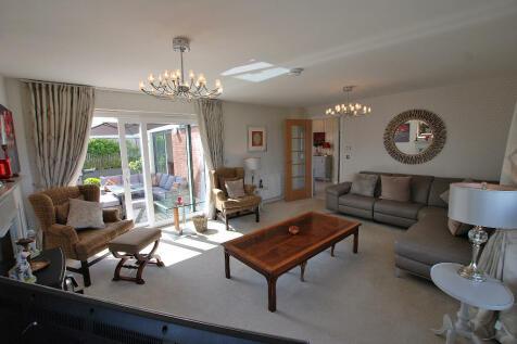 Kintyre Avenue, Doonfoot, Ayr, KA7. 5 bedroom detached villa