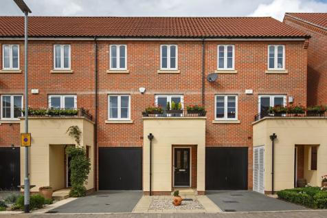 Brazen Gate, Norwich. 4 bedroom town house