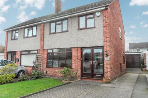 Upton Place, Rugeley, Staffordshire, WS15. 3 bedroom semi-detached house