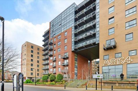 Panorama, West One, 18 Fitzwilliam Street, Sheffield. 2 bedroom apartment