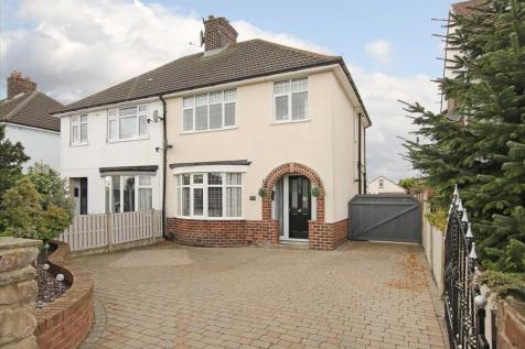 Manor Road. 3 bedroom house for sale