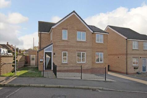 Chestnut Drive. 4 bedroom detached house for sale