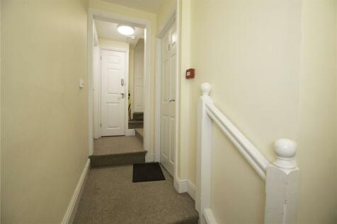 Bath Street, Cheltenham, GL50. Studio apartment