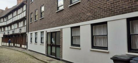 Mews Apartments, Barracks Passage, Wyle Cop, Shrewsbury, SY1 1XA. Studio flat