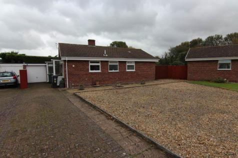 Kingfisher Road, Worle, Weston-super-Mare. 3 bedroom bungalow