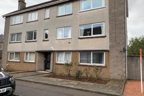 Flat 5, 1 Kelburn Court, Largs, KA30 8HN. 1 bedroom flat