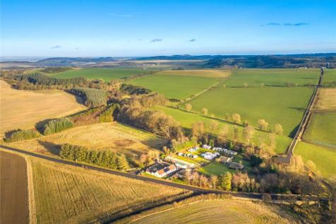 Union Farm, Craigrothie, Cupar, KY15. 4 bedroom equestrian facility for sale
