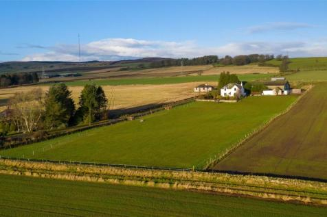 Newmains Farmhouse, Tealing, Dundee, Angus, DD4. 4 bedroom detached house for sale