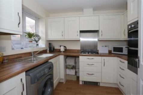 Royal Architects Road, East Cowes. 2 bedroom end of terrace house