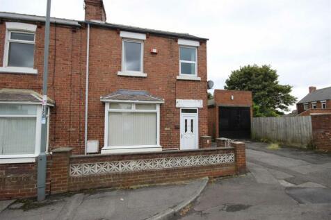 Edward Street, Gilesgate. 3 bedroom end of terrace house