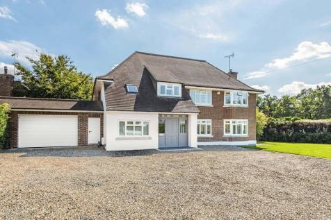 Links Green Way, Cobham, KT11. 6 bedroom detached house