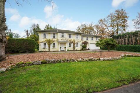 Kelvedon Avenue, Burwood Park, Walton on Thames, KT12. 6 bedroom detached house for sale