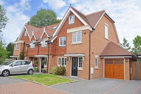 Millers Close, Hersham, Walton-On-Thames, KT12. 4 bedroom terraced house