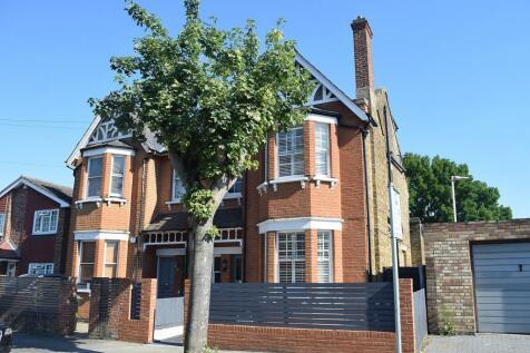 Felcott Road, Walton-On-Thames, KT12. 4 bedroom semi-detached house for sale