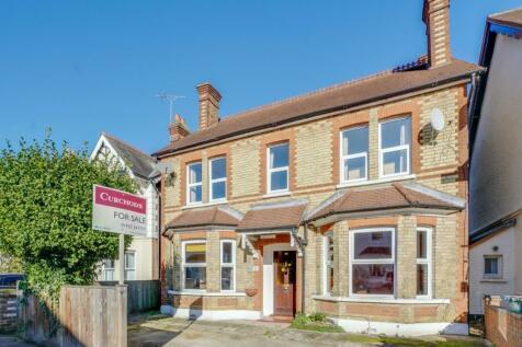 Hersham Road, Walton, KT12. 3 bedroom detached house for sale